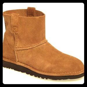NIB! UGG Unlined Classic Mini Boots!!